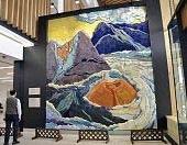阿蘇くまもと空港 陶板レリーフ『雲上の岳神』高津明美